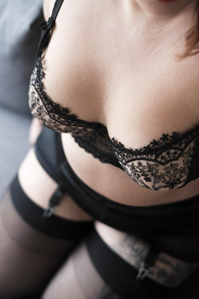 le-salon-de-frivolites-axami-revial-lingerie-the-big-tights-company_bloglingerie