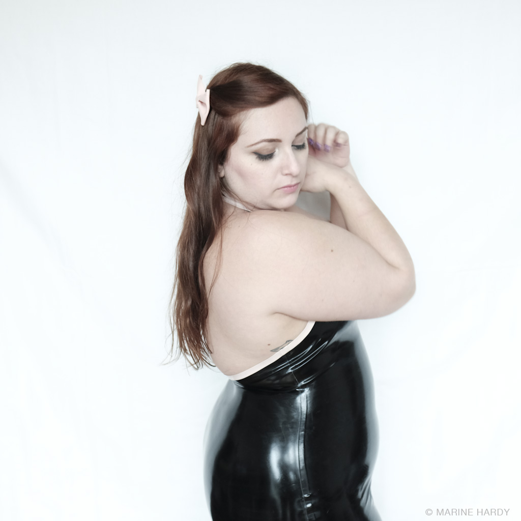 westwardbound_robe_latex_profil