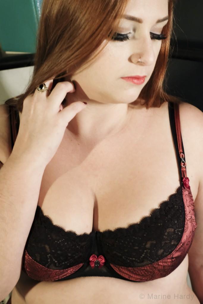 lingerie indiscrete_portrait face