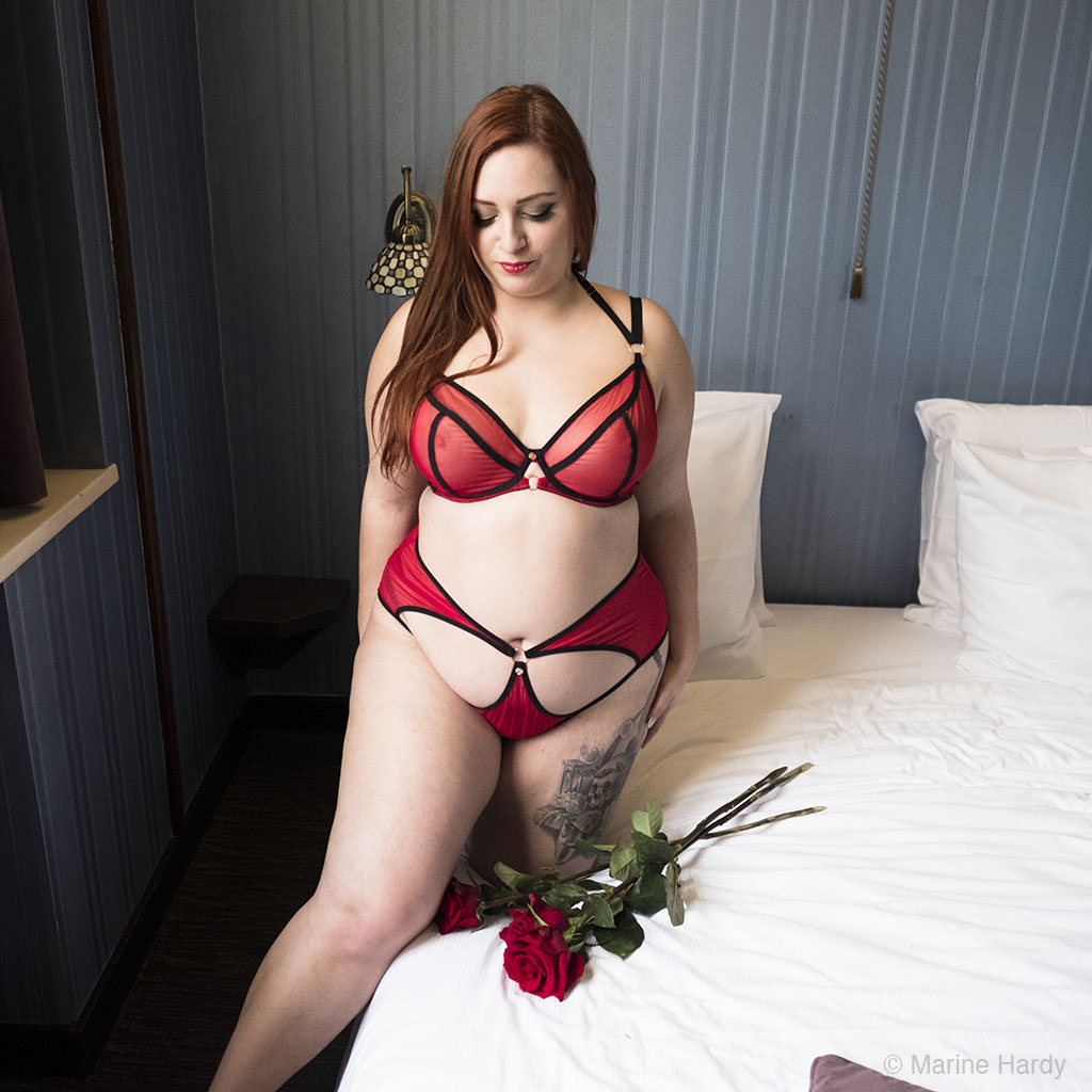 Scantilly_Knockout_blog_Lingerie_grande_taille_lingerie_rouge-femme-photographe-marine-hardy-bruxelles