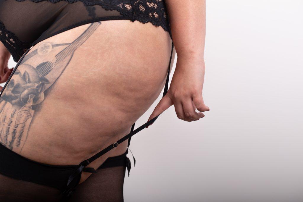 lingerie-sexy-grande-taille-le-salon-de-frivolites-porte-jarretelles