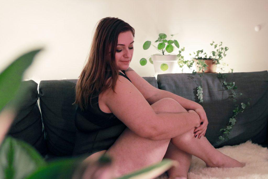 body-grande-taille-tutti-rouge-avis-le-salon-de-frivolites-profil