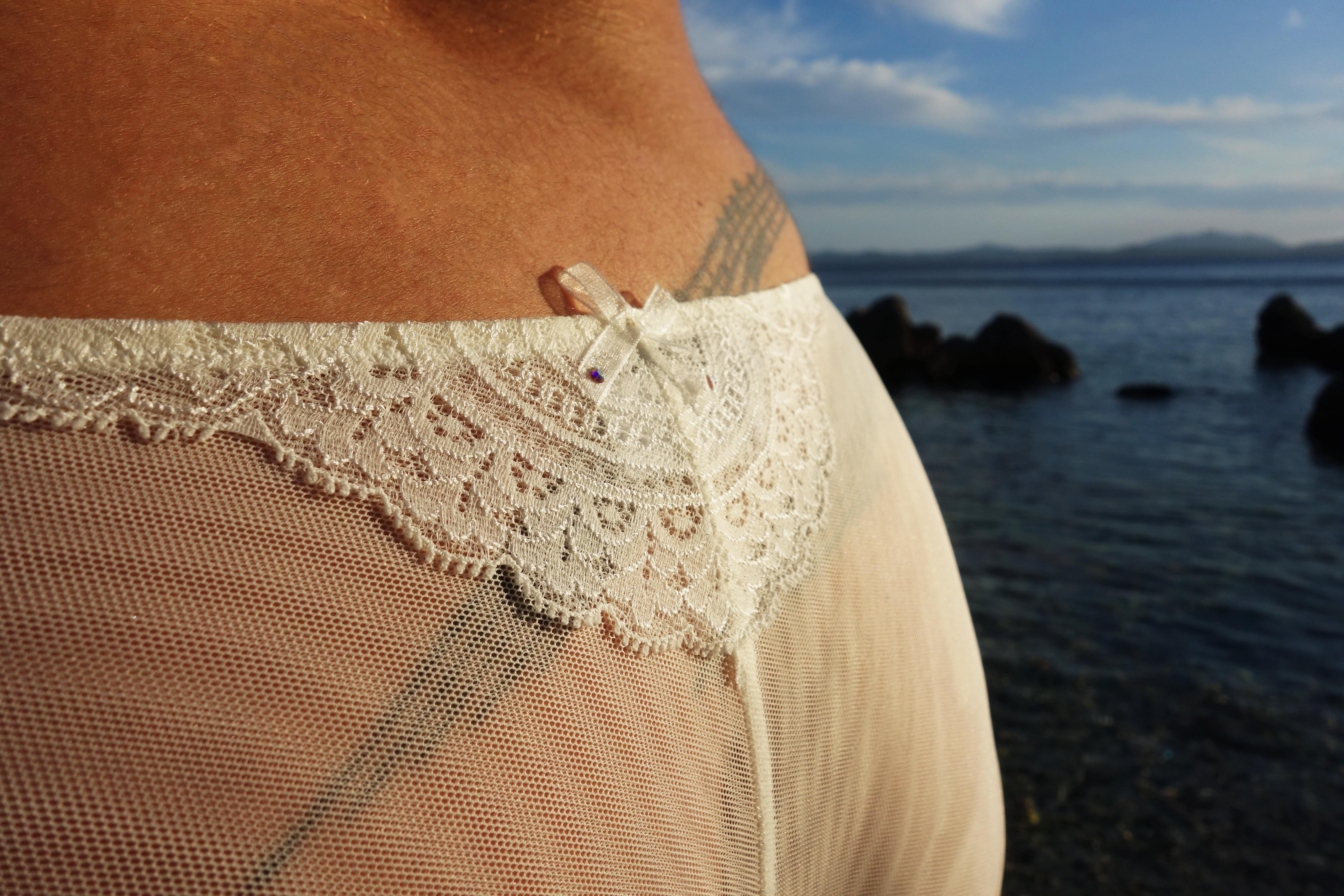 le-salon-de-frivolites-blog-lingerie-grande-taille-dos-detail7